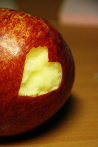 apple_heart_by_just_a_bit_strange